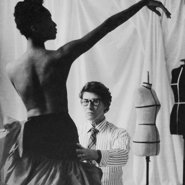 Hommage-a-Yves-Saint-Laurent-en-videos