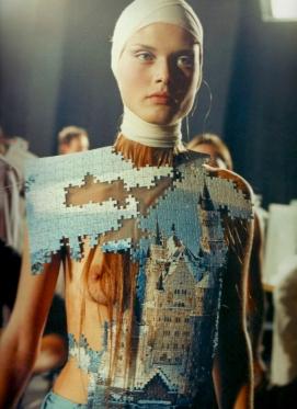 Alexander_McQueen-Spring_Summer-2001-baby-lets-get-lost