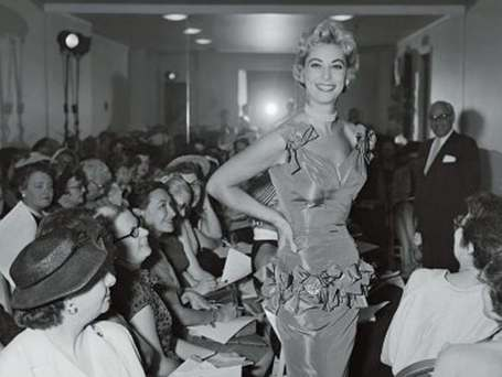 Fashion Press Week, 1943